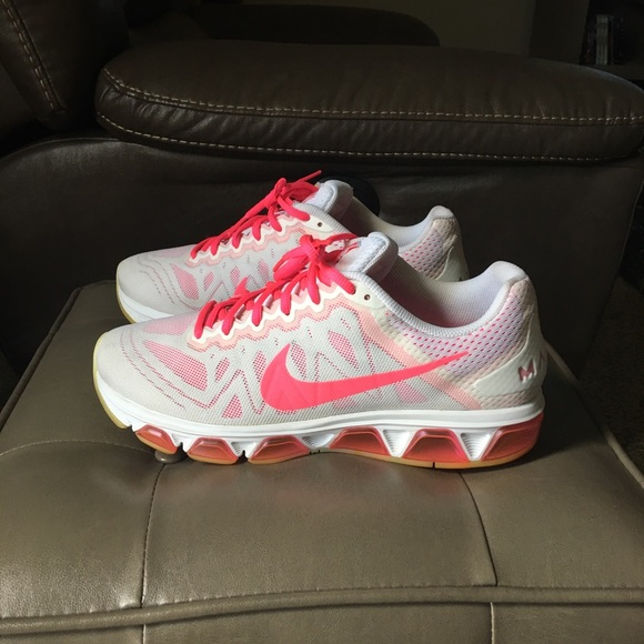 the latest 77e07 d4dd4 Nike Air Max Tailwind 7 Size   11 (Women s). M 5aa185c22c705d8407704f5d